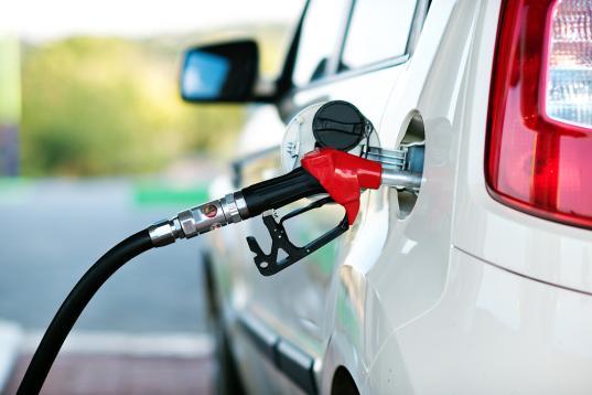 В Череповце водитель украл у предприятия 545 литров топлива для своего личного авто