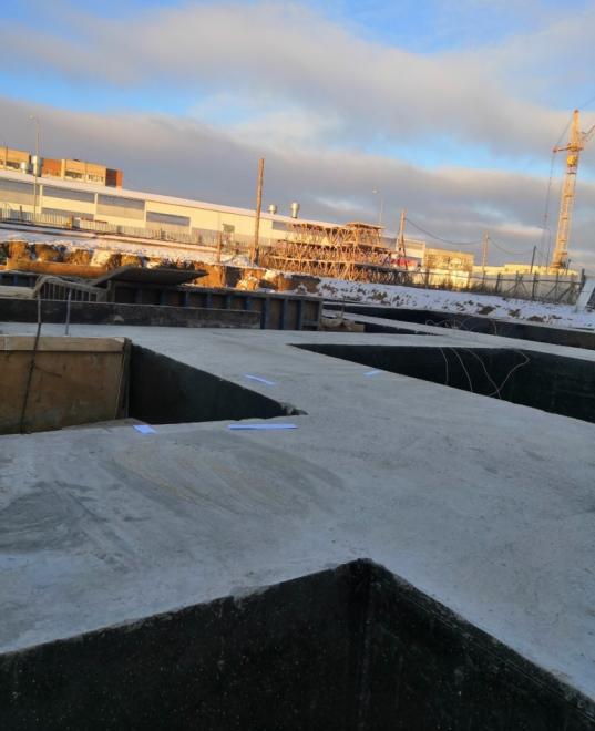 """В Вологде приставы приостановили строительство многоэтажки рядом с жилым комплексом """"Речной квартал"""""""