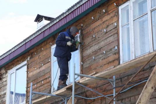 ООО «СМУ-79», некачественно выполнившее капремонт дома в селе Шуйское, обяжут устранить недостатки