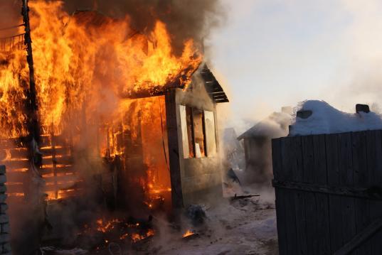 В Кичменгско-Городецком районе из-за неисправного печного отопления погибли двое мужчин