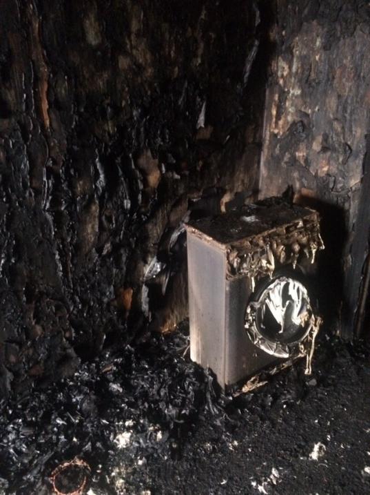 Два человека погибли во время пожара из-за неосторожного курения в Вологодском районе