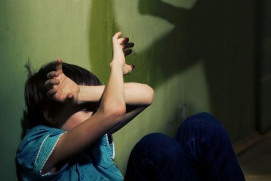 В Череповце задержали бывшего наркоторговца, который избивал 8-летнего ребенка своей любовницы